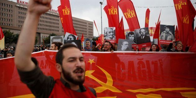 Decenas de detenidos y gases lacrimógenos en Estambul en el Primero de
