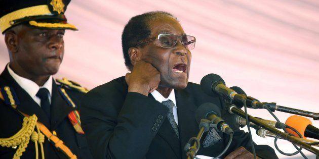 Fotografía de archivo tomada el 1 de noviembre de 2017 del presidente de Zimbabue, Robert