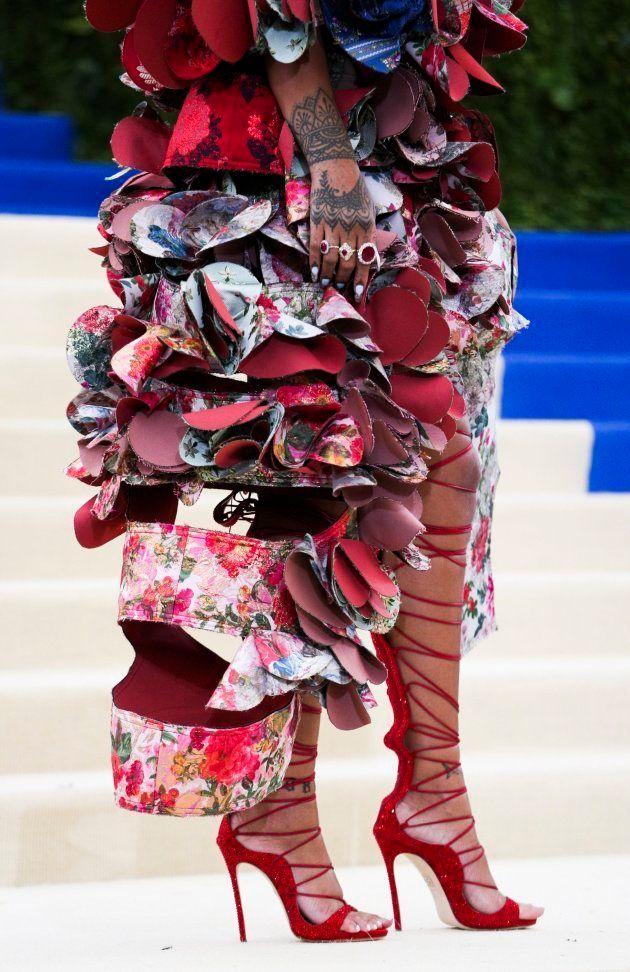 Detalle de las botas de Rihanna en la Gala Met dedicada a Rei