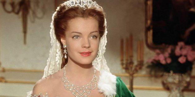 Profanan la tumba de la actriz Romy Schneider, la icónica Sissi