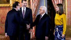Felipe VI apoya ante Abbas las