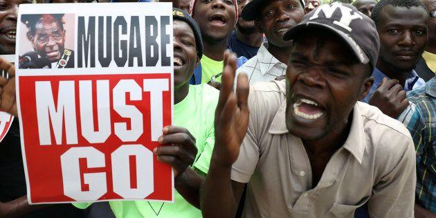 Protestas contra la permanencia en el cargo del presidente de Zimbabue, Robert
