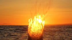 ¿Una bola de fuego saliendo del océano? (FOTO,