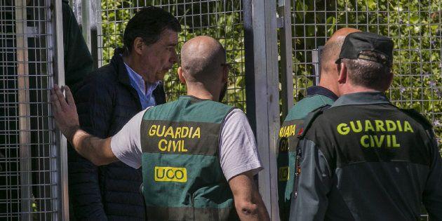Ignacio González alega que no se fugará porque su hija