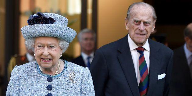 Isabel II y Felipe de Edimburgo en el Museo National de la Armada, en Londres, el 16 de marzo de