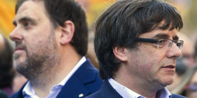 Oriol Junqueras y Carles Puigdemont, al frente de ERC y Junts per Catalunya, respectivamente, en una...