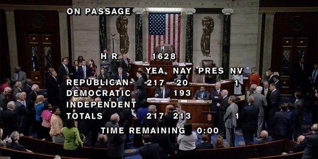 El Congreso aprueba el proyecto de Trump para reemplazar el