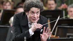 El director de orquesta Gustavo Dudamel alza su voz contra