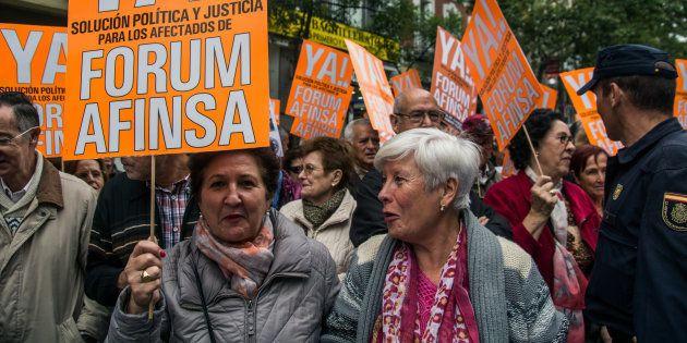 Manifestación contra el fraude de Afinsa frente a la sede del PP. Marcos del Mazo/Pacific Press/LightRocket...