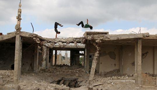 Los jóvenes sirios encuentran la libertad en el parkour
