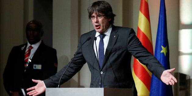 Puigdemont equipara una fase de Rajoy sobre Cataluña con la