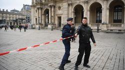 La Policía evacúa por seguridad la explanada donde Macron celebrará la noche