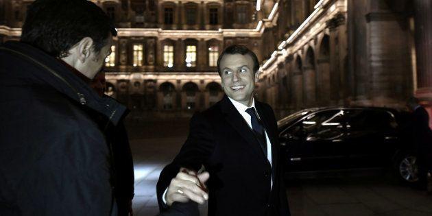 Emmanuel Macron, a su llegada al Louvre (París) tras conocerse los resultados de las elecciones presidenciales...