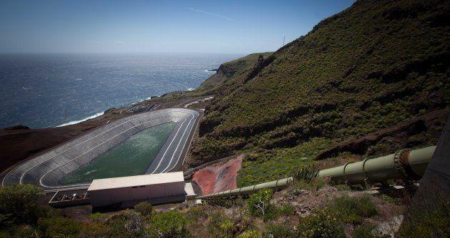 Vista general de la planta hidroeléctrica de Gorona, en la isla de El Hierro