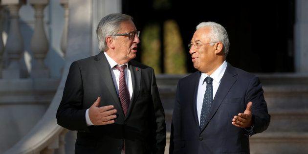 El primer ministro de Portugal, Antonio Costa, recibe en el palacio de Sao Bento de Lisboa (sede del...