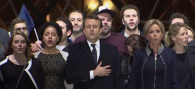 Quién salía en la foto de familia de Macron en el