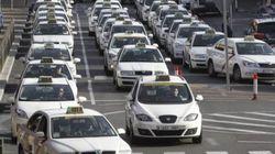 Los taxistas, en huelga de 24 horas para pedir más regulación en servicios como Uber o