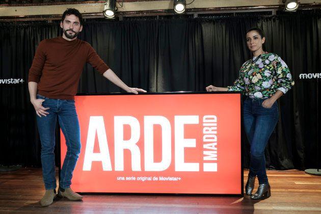 Paco León e Inma Cuesta durante la presentación de 'Arde