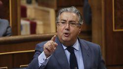 El ministro Zoido respalda a su número dos pese a su papel en la 'Operación