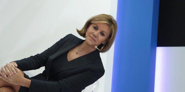Cospedal indigna a las redes con su propuesta contra las 'fake