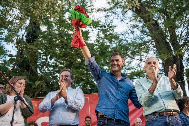 Sánchez se distancia de Podemos en la última versión de su proyecto