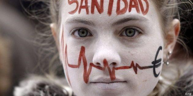Profesionales sanitarios consultan a los madrileños su opinión sobre la