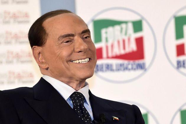 Parece que Berlusconi se ha retocado un