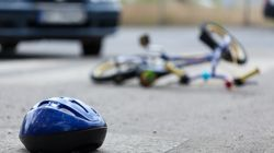 Una conductora borracha atropella a dos ciclistas en