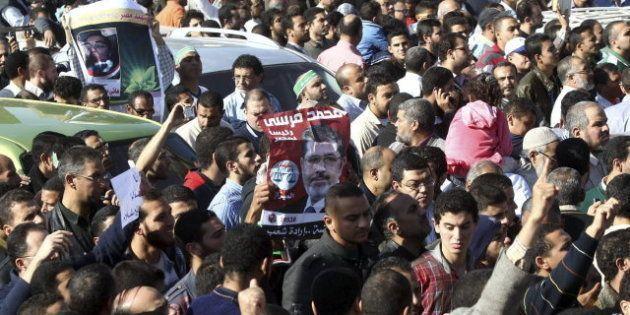 Protestas en Egipto: la oposición laica rechaza el diálogo propuesto por Morsi y vuelve al palacio