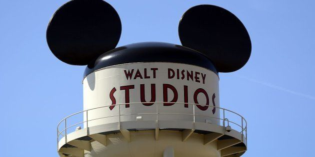 Torre de agua de Walt Disney Studios en el parque de atracciones Disneyland
