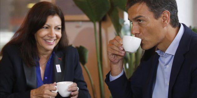 Pedro Sánchez y Anne Hidalgo desayunando en el Círculo de Bellas