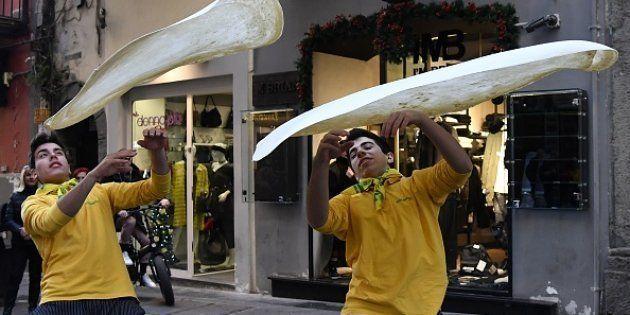 Celebración en las calles de Nápoles tras la decisión de la