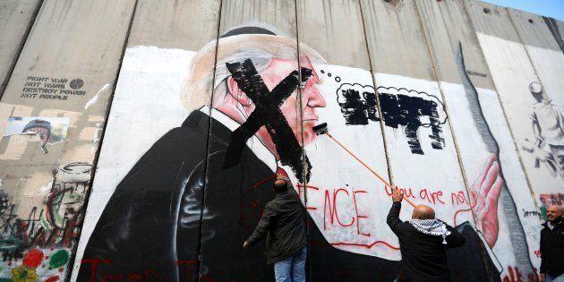 Palestinos pintan