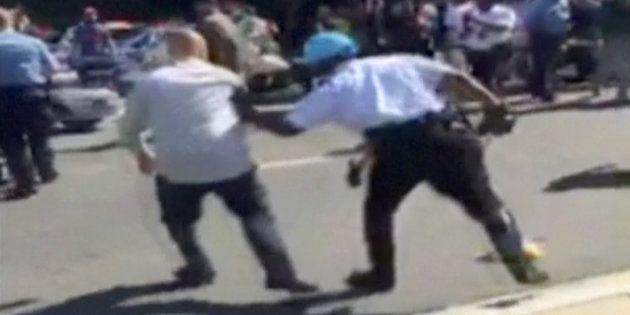 Un vídeo muestra la indiferencia de Erdogan mientras sus guardaespaldas pegan una paliza a