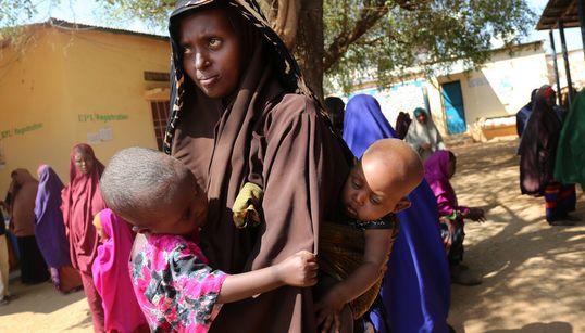 Somalia está al borde de la hambruna, y el tiempo se