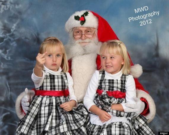 Peineta a Papá Noel: la niña más enfadada con Santa Claus