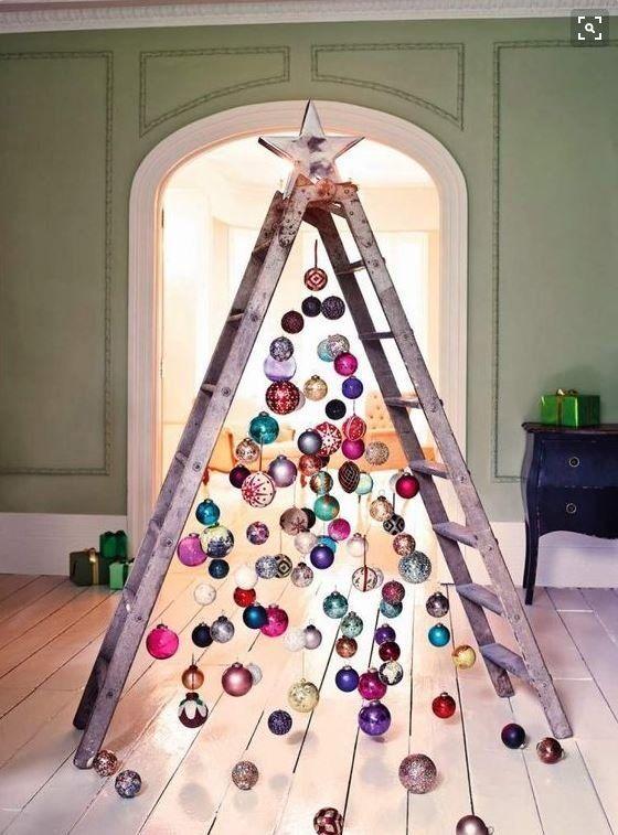 Ocho ideas para poner el árbol de Navidad sin comprar un pino