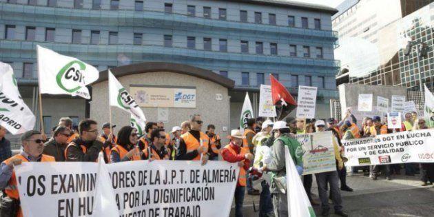 Los examinadores de tráfico desconvocan la huelga tras cinco meses de