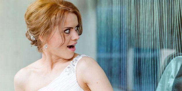 16 cosas insultantes que los invitados de una boda le dicen a la