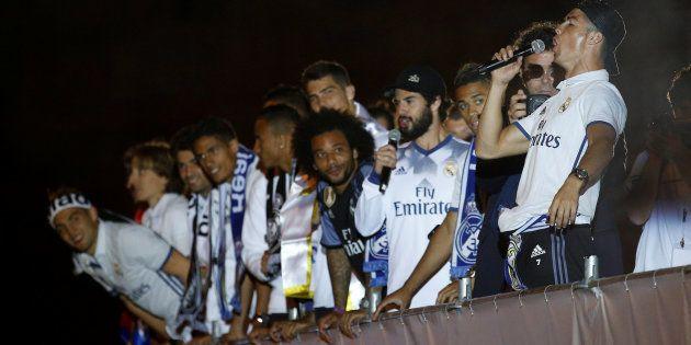 ¿Qué jugador del Real Madrid cantó: