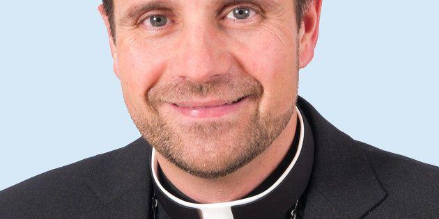 El obispo de Solsona se pregunta si la homosexualidad se debe a la ausencia