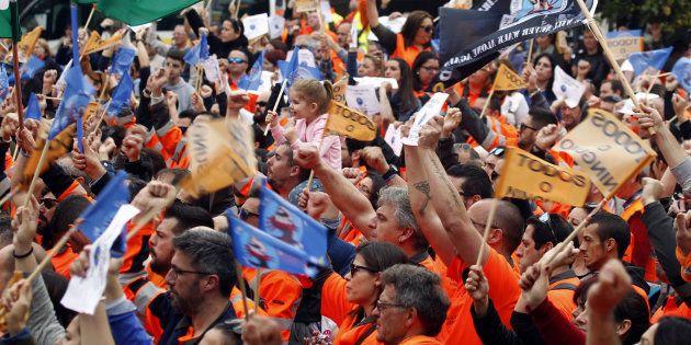 Los estibadores aplazan la huelga en los puertos hasta el 5 de