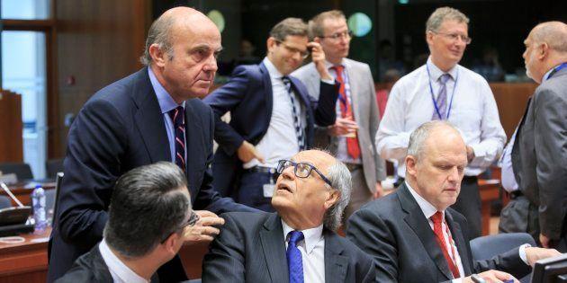 Luis de Guindos, durante la reunión del