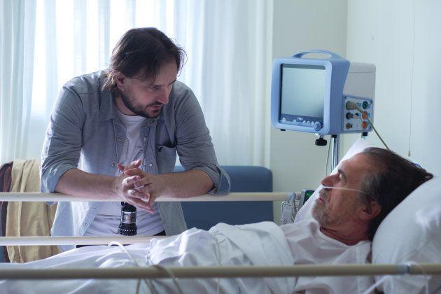 Diego Corsini conversa con Miguel Ángel Solá en el rodaje de la