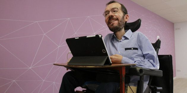 Pablo Echenique, multado por infracción grave al contratar de manera irregular a su asistente