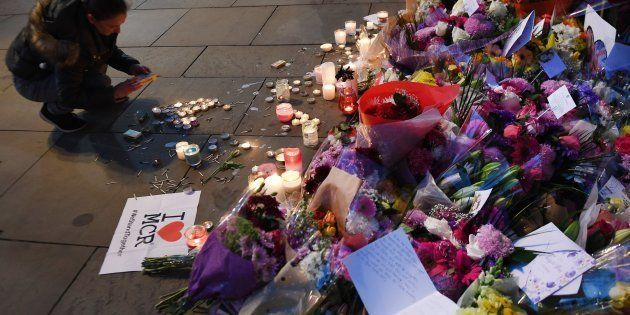 El Gobierno británico cree que el terrorista de Manchester no actuó