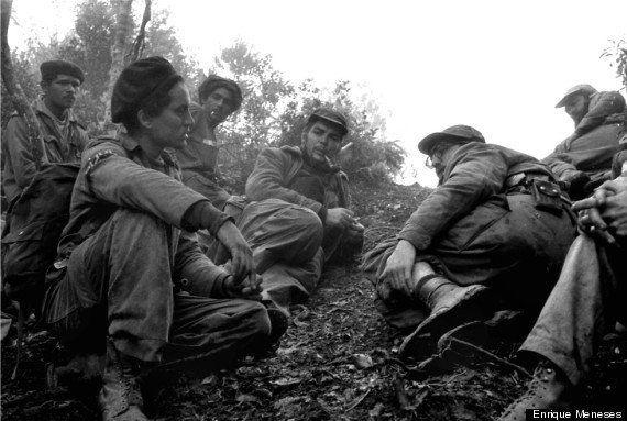 Muere Enrique Meneses: el periodista autor de las fotos de Sierra Maestra ha muerto a los 83