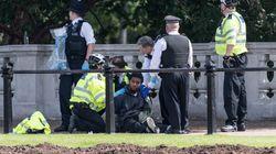 Detienen a un hombre con un cuchillo cerca del palacio de