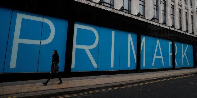 Primark empieza a vender en España la manta de Sirena y triunfa en