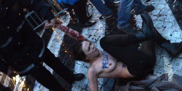 Las activistas de FEMEN vuelven a protestar en 'topless' en el Vaticano